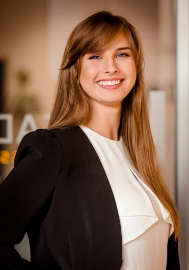 Sales Counsultant | Michelle Ziaja